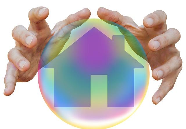 ruce, domek v bublině