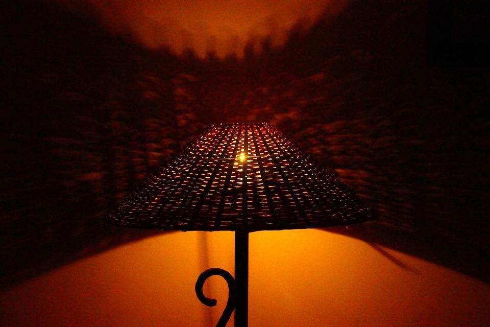 pletená lampička